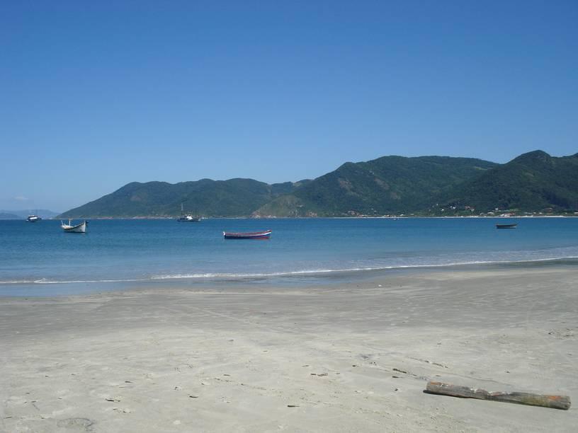 Pântano do Sul, no sul da Ilha de Santa Catarina: tudo o que qualquer porto-alegrense gostaria nesses dias quentes