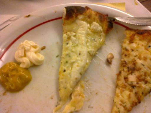 Enquanto fotografava e postava, a pizza esfriava...